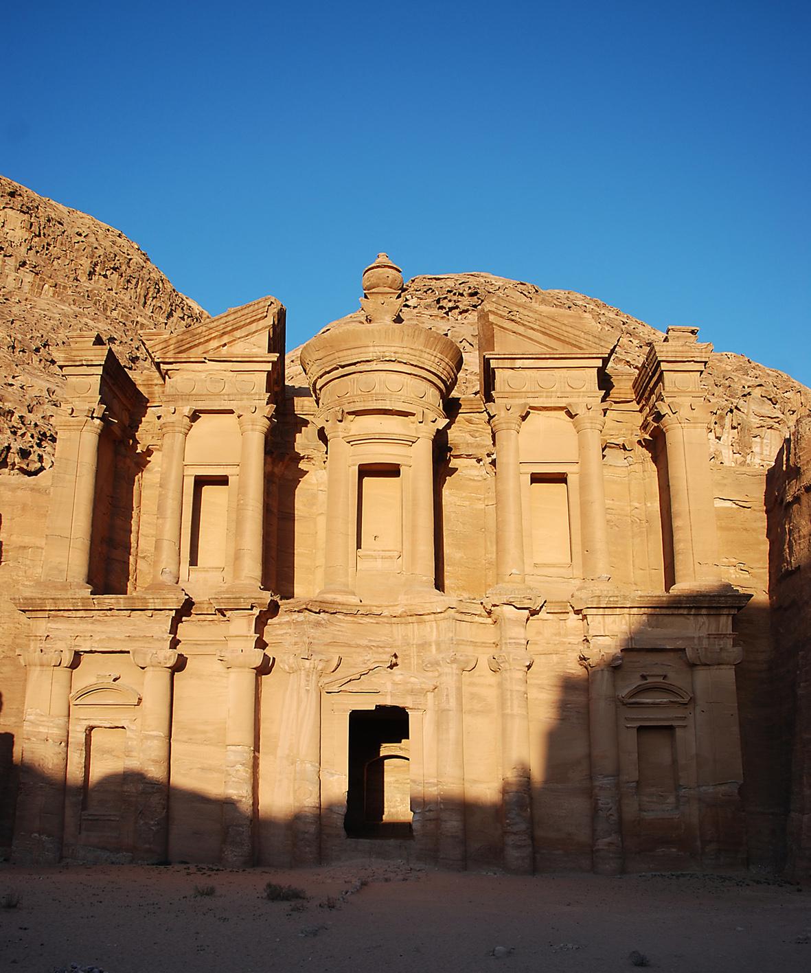 Die berühmten Felsenstadt Petra ist eines der neuen sieben Weltwunder und einer der magischsten Plätze der Erde. Foto: Christian Maskos