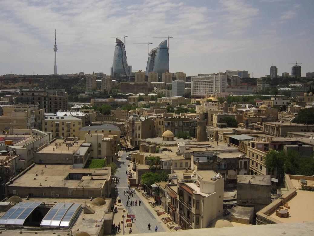 Blick über die Altstadt von Baku. Foto: Wolfgang Hesseler