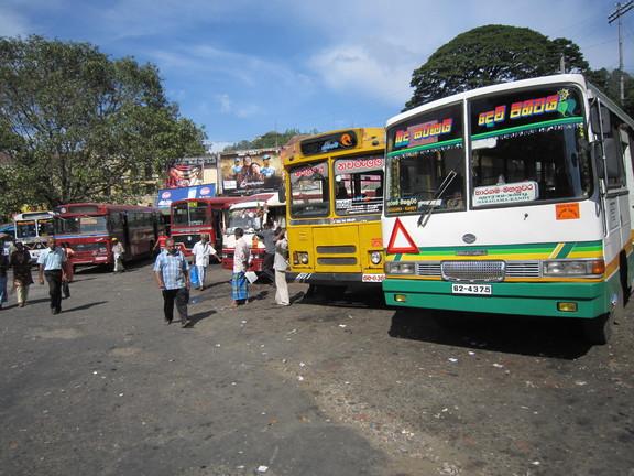 Busbahnhof in Kandy. Foto: Wolfgang Hesseler