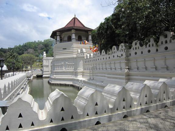 Der Zahntempel in Kandy in dem ein Zahn Buddhas aufbewahrt wird. Foto: Wolfgang Hesseler